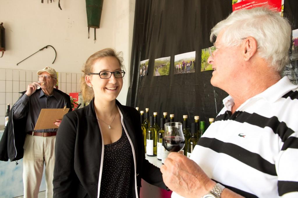 Fachliche Beratung durch den Nachwuchs im Weingut Mohr