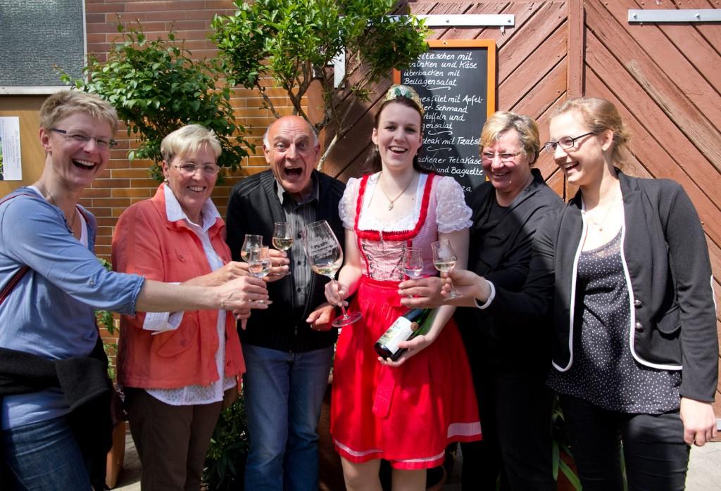 Weinprobe mit Spaß und Weinkönigin